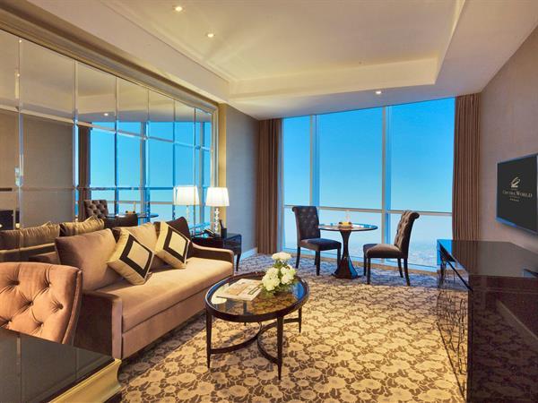 Suite Room Hotel Ciputra World Surabaya