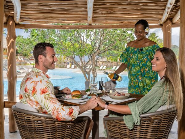 Miki Miki Bar & Restaurant Bora Bora Pearl Beach